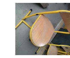 Chaise de cantine